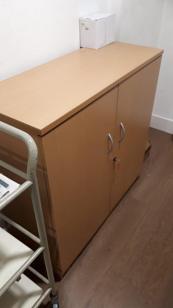 Wooden cupboard - 100x45x130